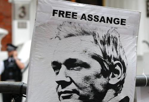 assange-ecuador-embassy-asylum-nationalturk